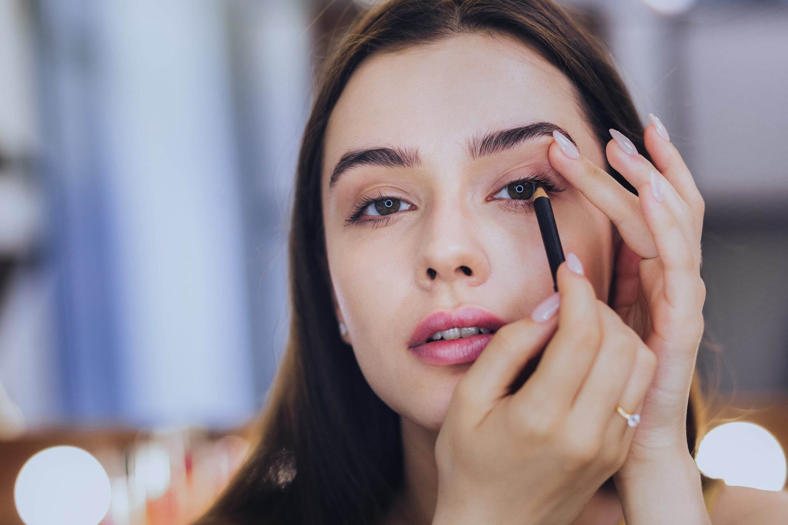 Makeup eyeliner