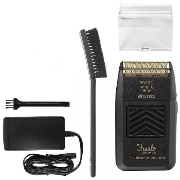 Retrouvez le rasoir avec son socle Shaver de la marque Wahl sur beautycoiffure.com.