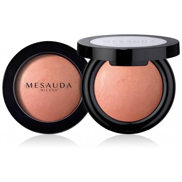 Fard à joues Wet&Dry de Mesauda Milano, existe en plusieurs teintes. À retrouver sur beautycoiffure.com.