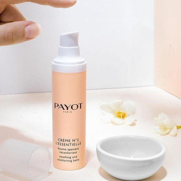 Découvrez le soin visage crème n°2 L'essentielle de Payot, à retrouver sur beautycoiffure.com.