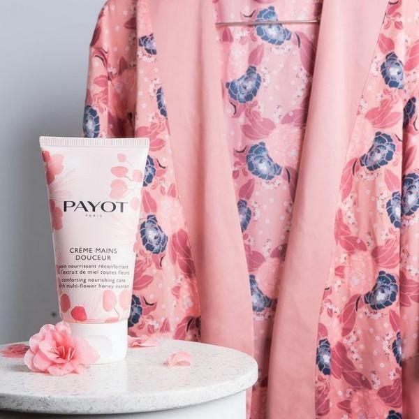 Découvrez la crème pour les mains douceur de Payot, à retrouver sur beautycoiffure.com.